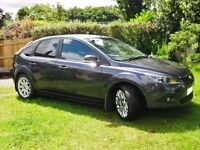 FANTASTIC 2009/09FORD FOCUS ZETEC 29,000mls FSH AIRCON ALLOYS 2 OWNERS LIKE NEW.