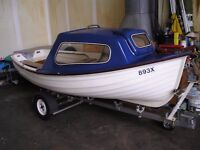 MAX--CRAFT SMALL 12FT FISHING BOAT WITH TRAILER ALL IN VGC LOVELY LITTLE BOAT