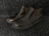 Sketchers brown boots
