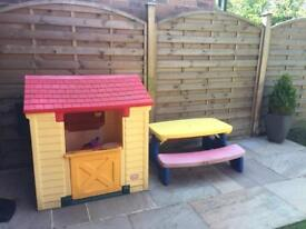 Little tykes playhouse and fold down picnic table