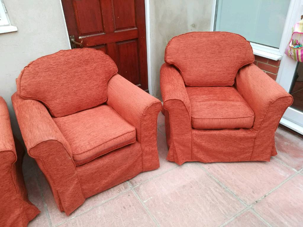 Sofa bed and armchairsin Cheltenham, GloucestershireGumtree - Sofa bed plus 2 armchairs for free