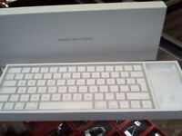 APPLE KEYBOARD AND MAGIC MOUSE BOXED LIKE NEW