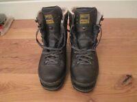 MEINDL WALKING BOOTS, LEATHER, GORETEX, VIBRAM SOLE, SIZE 7