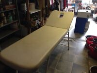 Massage table good quality very strong