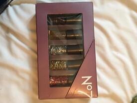 No7 nail polishes
