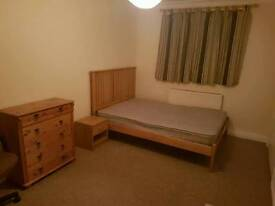 Large Double Room £425 *All Bills Included*