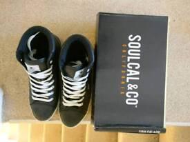 Men's black shoes (white lace) size 10