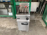 GAS 2 BASKET SERVICED FRYER CATERING COMMERCIAL KITCHEN BBQ SHOP TAKE AWAY