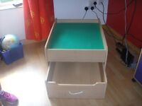 LEGO TABLE+ COMPUTER TABLE +6 CUBE STORAGE UNIT.