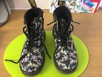 kids doc martin floral print boots worn once size 8