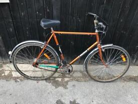 Vintage Raleigh Esquire Gents Town Bike. Serviced, Good Condition. Free Lock, Lights, Delivery