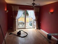 Studio flat in Allhallows, Rochester, ME3