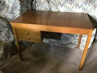 1970s Retro light oak desk, in very good condition with 2 draws. 105cm length 60cm wide 74cm height
