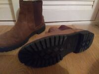 Crew Clothing Chelsea Boots Brown size 7