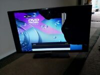 """JVC 32"""" LED , Smart tv, DVD Player, Freeview HDMI - SPARES OR REPAIR"""
