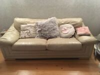 2 leather sofas (1 sofa bed)