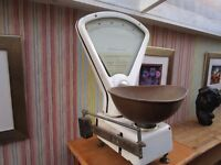 LARGE SET OF VINTAGE SHOP SCALES( FOR DISPLAY OR DECORATION PURPOSES ONLY ). ONLY £10