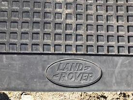 Discovery 4 rear load space rubber mat.