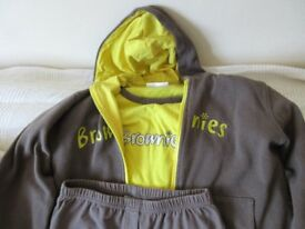 Brownies Uniform (T-shirt, trousers, hoodie)