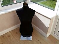 SMALL LADIES CLOTHES MAKERS DUMMY / MANNEQUIN