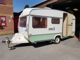 Retro Robin 4 berth 1982 caravan