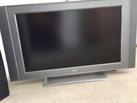 """Phillips 32"""" television"""