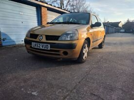 RENAULT CLIO 1.2 16v Expression - 52 PLATE - VERY LOW MILEAGE - MOT UNTIL 10 MAY 2018