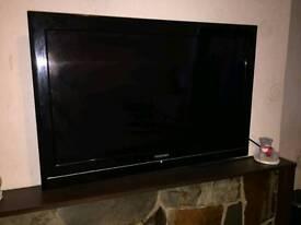"Toshiba HD LCD 32"" TV WITH SKY BOX"
