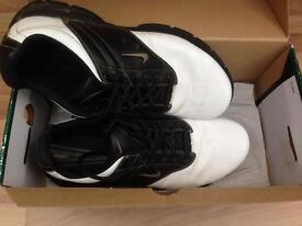 Men's Nike golf shoes size 10.
