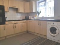 Dss Accepted! 4 double bedroom ground floor flat 7-8 minutes from Dagenham East Station!