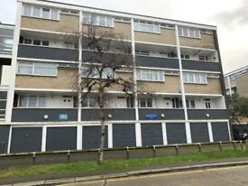 3 bedroom flat in Northolt Road, ha2
