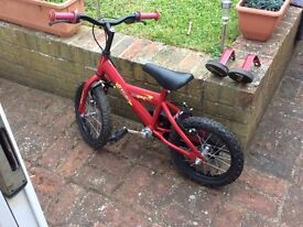Hardly used red and black bicycle, 3/5 years with stabilisers