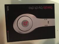 BRAND NEW BEATS BY DR. DRE STUDIO WHITE HEADPHONES *PERFECT CHRISTMAS PRESENT*