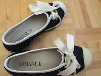 Girls shoes size 32!