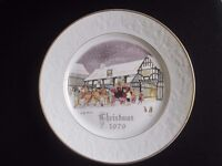 Set of 4 Royal Worcester commemorative Christmas Plates 1979-82