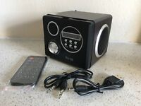 MOBILE SPEAKER RADIO with battery and remote.