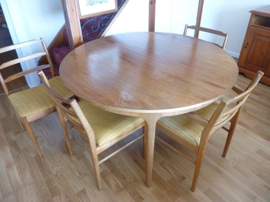 Reduced Mcintosh Extending Round Teak Table With 4 Chairs