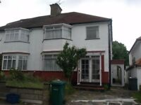2 double bedroom ground floor garden flat situated close to Hendon Central Tube Station