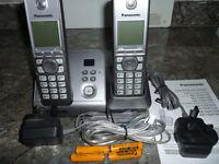Panasonic Digital twin Corless phones with answering machine KX-TG6722