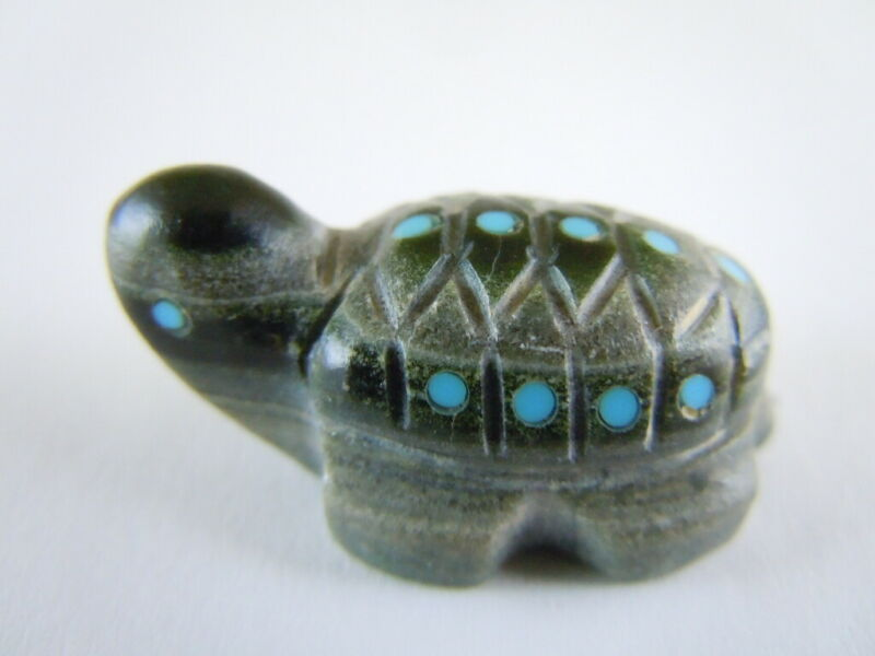 detailed ornate shell Zuni green spotted Turtle fetish carving Amanda Siutza 87