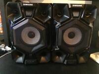 2x Samsung GIGA Sound 250w Hifi Speakers