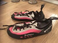 Evolv Rockstar climbing shoes in great condition. Hardly used! Size 3.5