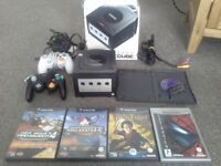 Nintendo gamecube boxed, 2 controllers & games