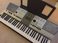 Yamaha Electric Keyboard (PSR-E413) - As new