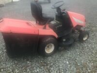 TWIN CUT RIDE ON LAWNMOWER 40INCH 12.5HP BRIGGS & STRATTON ENGINE GOOD DECK&TYRES GOING WELL