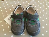 Boys shoes - Clarks size 5 1/2 G - NEW!
