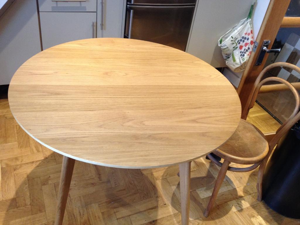 John Lewis Oak Veneer Top Oak Legs Round Dining Table 1000mm Round