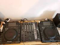 2 x cdj 2000 & djm 750 mixer + speakers