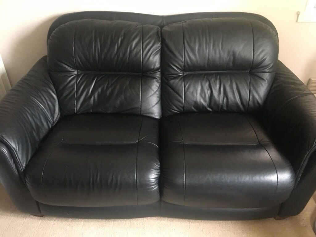 Black leather sofa perfect condition!!!