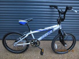 APOLLO MX20.2. BMX. BIKE IN EXCELLENT CONDITION HAVING HAD LITTLE USE. (SUIT APPROX. AGE. 7 / 8+)..